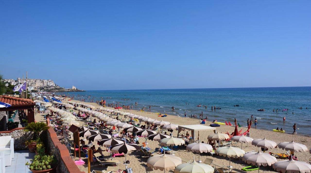 spiaggia con sperlonga